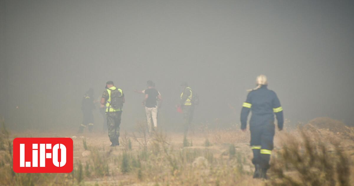 Φωτιά στην Αχαΐα: Εκκενώθηκε η Πτέρη – Προειδοποίηση για πιθανή εκκένωση άλλων δύο οικισμών