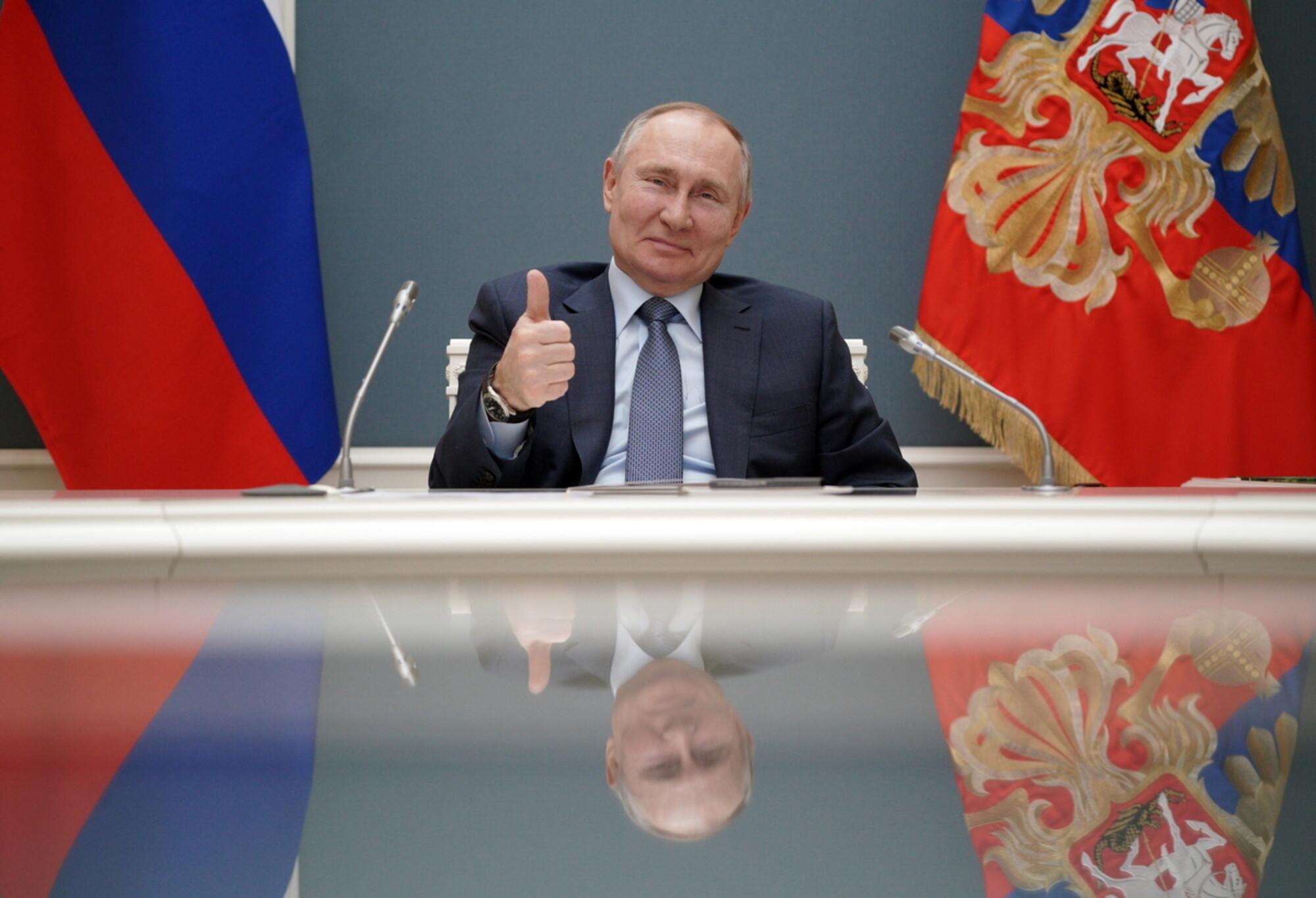 ΕΛΕΟΣ ΠΙΑ!!! – Ο Βλαντιμίρ Πούτιν υπέγραψε τον νόμο που του επιτρέπει να διεκδικήσει άλλες δύο θητείες