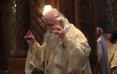 Αμβρόσιος: «Έχω φάρμακο και για τον κοροναϊό. Τον Μεγάλο Αγιασμό»