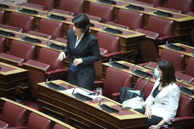 Βουλευτής του ΣΥΡΙΖΑ χαρακτήρισε «επιδειξία» τον Μητσοτάκη- Ένταση στη Βουλή