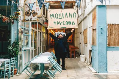 Θωμάς Κοροβίνης: «Μυσταγωγοί και μυημένοι σκόρπισαν σαν τρελαμένα πουλιά  στη Σαλόνικα» | LiFO
