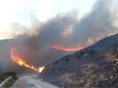 Φωτιά στην Άνδρο- Προληπτική εκκένωση χωριού