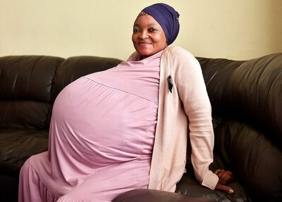 Μία 37χρονη γέννησε δεκάδυμα στη Νότια Αφρική