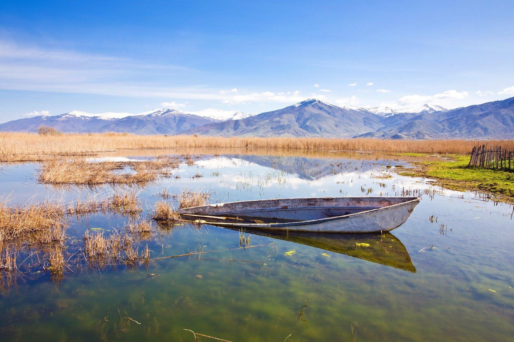 Πρέσπες: 5 πράγματα που πρέπει να δεις σε μια από τις ομορφότερες περιοχές της Ελλάδας | LiFO