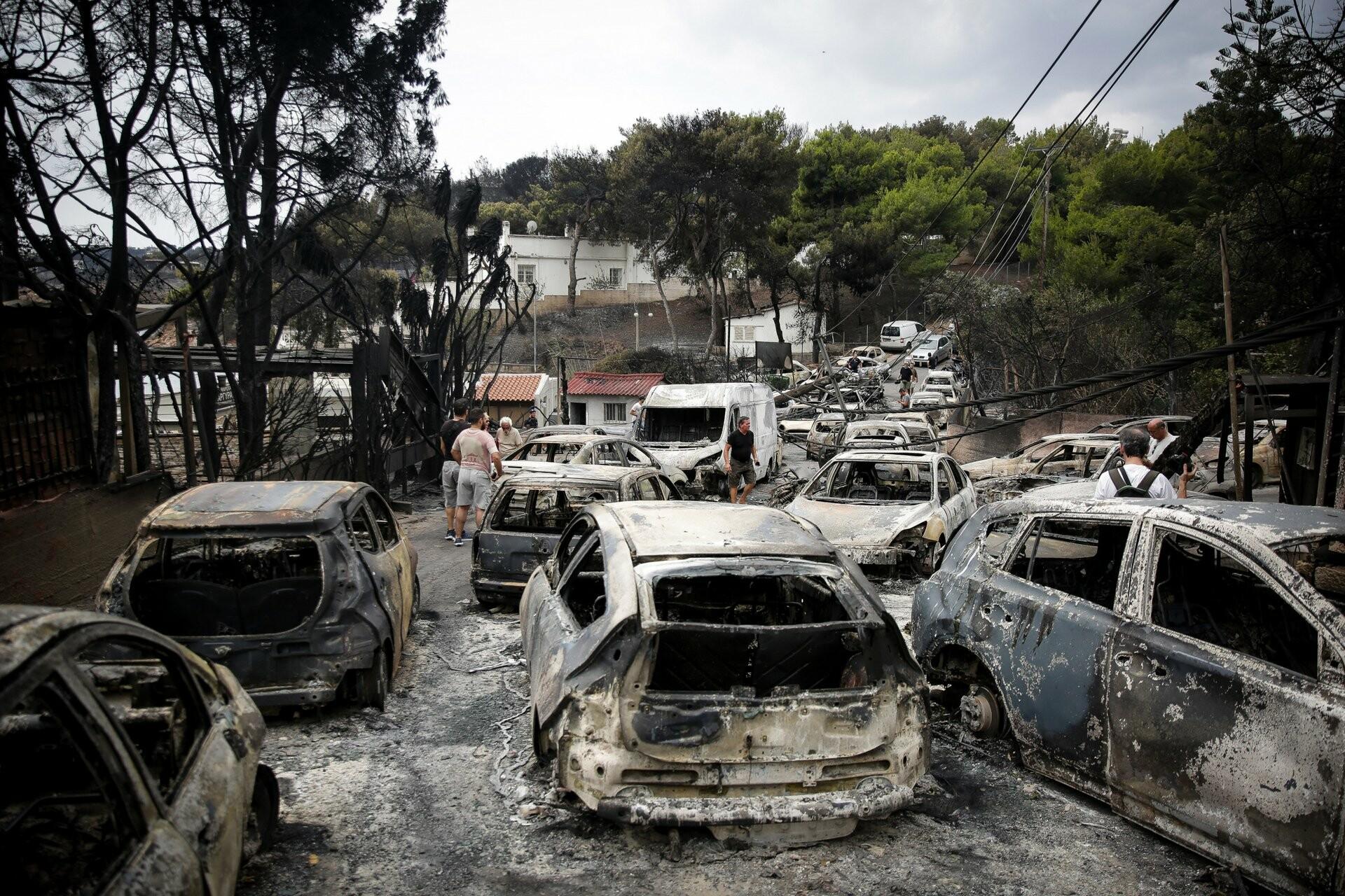 Φονική φωτιά Μάτι: «Η υπουργός αυτό μου είπε, μη γράψει για ευθύνες  ανωτέρων. Θα σε σκίσουμε» - Ηχητικά ντοκουμέντα | LiFO