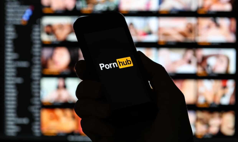 Το Pornhub απέσυρε όλα τα βίντεο από μη επιβεβαιωμένους χρήστες | LiFO