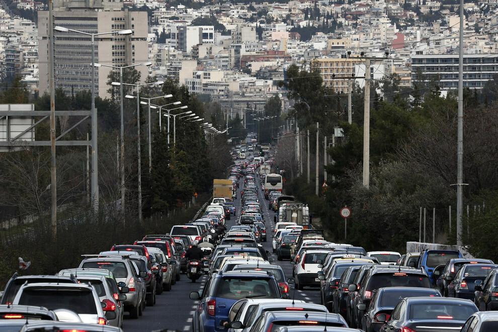 Το απίστευτο μποτιλιάρισμα της Αθήνας | LiFO