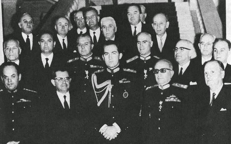 Το ύφος του Πατούλη όταν χαιρετάει υπουργούς του ΣΥΡΙΖΑ είναι όλα τα λεφτά | LiFO