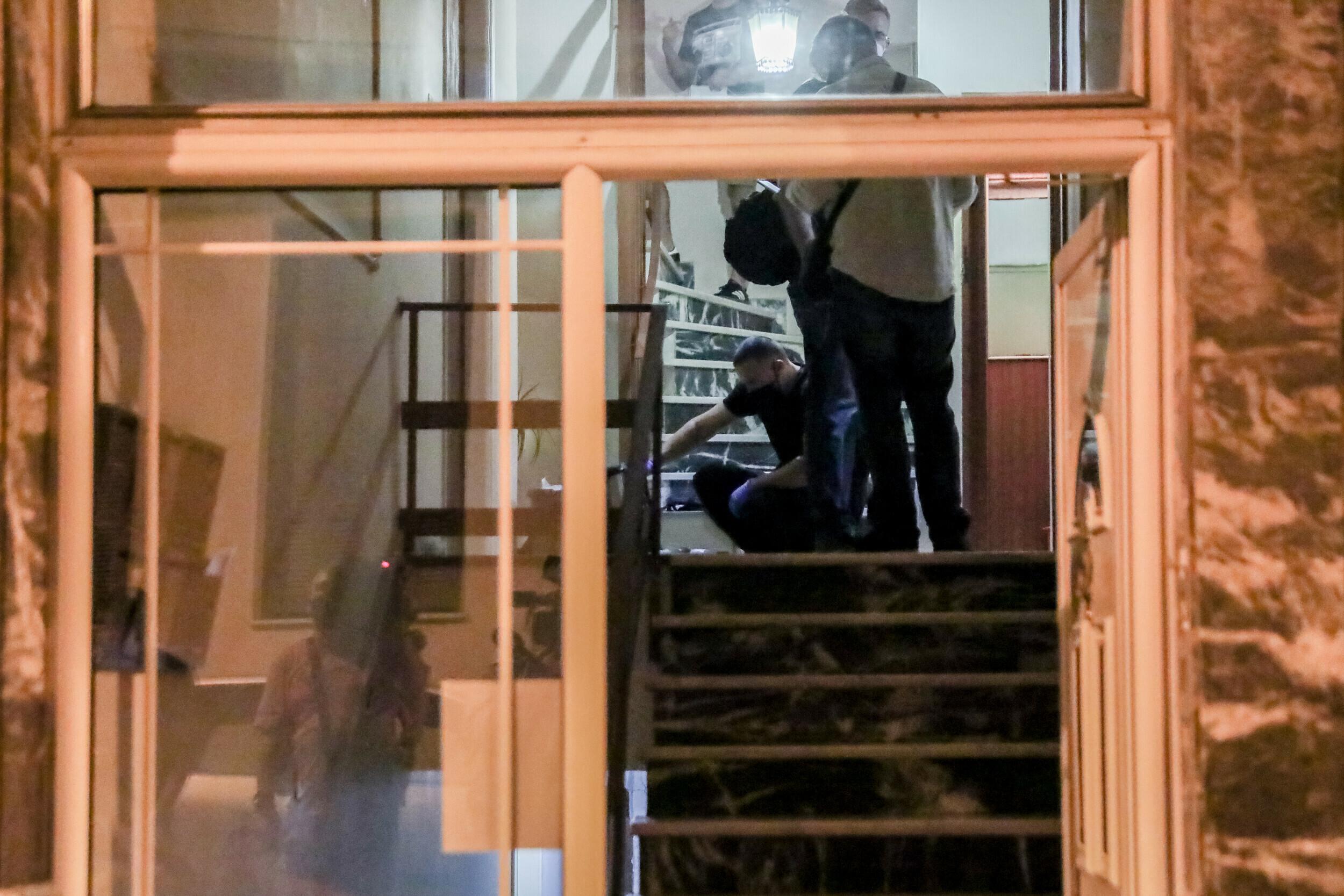 Πετράλωνα: Tαυτοποιήθηκε ο δράστης της αρπαγής και του βιασμού 50χρονης γυναίκας σε πολυκατοικία | LiFO
