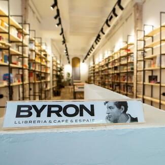Σε μια χρονιά μεγάλης μοναξιάς, η Βαρκελώνη ανακάλυψε την πολύτιμη συντροφιά του βιβλίου