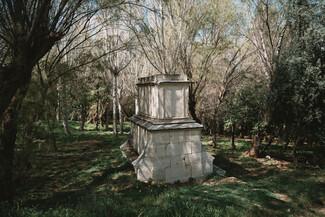 Ο τάφος της Louise