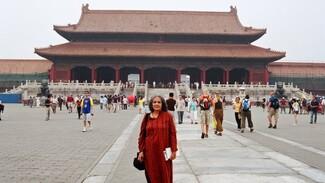Αυτή η 70χρονη Ινδή έχει επισκεφτεί 66 χώρες τα τελευταία 25 χρόνια. Και δεν σκοπεύει να σταματήσει.