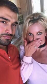 Η Μπρίτνεϊ Σπίαρς διέγραψε το Instagram μετά τον αρραβώνα με τον Sam Asghari