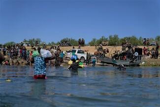 ΗΠΑ: Ξεκινά έρευνα για έφιππους συνοριοφύλακες που κυνηγούσαν Αϊτινούς μετανάστες στον Ρίο Γκράντε