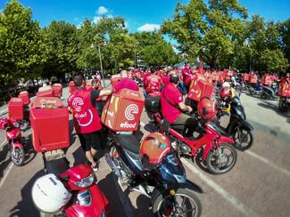 efood: Διαμαρτυρία των διανομέων - Μοτοπορεία στο κέντρο της Αθήνας