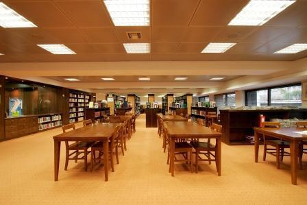 dinfo.gr - 14 εξαιρετικές βιβλιοθήκες της Αθήνας